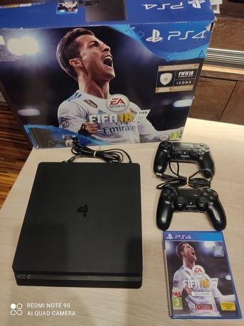Sprzedam konsole PlayStation 4 slim 1 TB + 2 pady + gra rezerwacja
