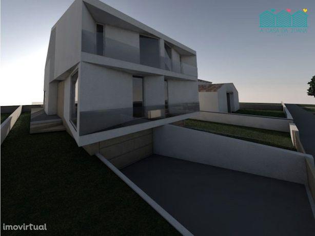 Moradia T3 Nova   Concluída - Praia da Barra