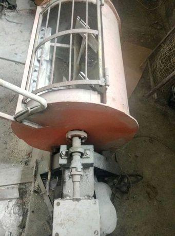Бетономішалка бетонозмішувач