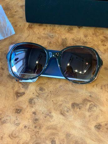 Шикарные солнцезащитные очки Roberto Cavalli.