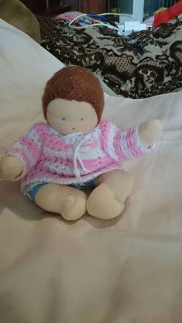 Куколка текстильная ручной работы.