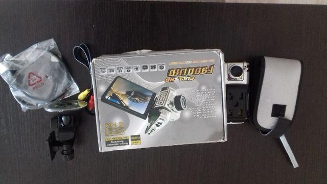 Kamera filmowa - lub do samochodu