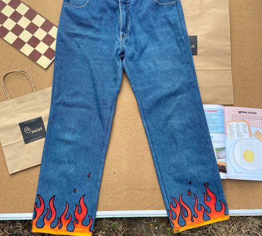 кастомные прямые джинсы с огнём