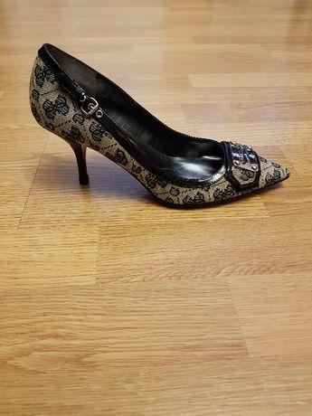 Туфлі Guess 37 розмір