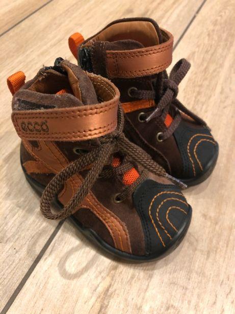 Ecco buty dziecięce na jesień/zimę rozmiar 19