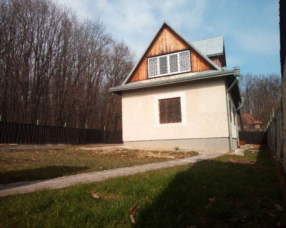 Двухэтажный кирпичный дом в 5-ти километрах от центра города