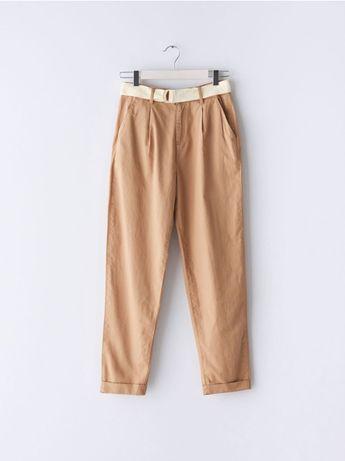 Женские летние брюки : бежевые с защипами