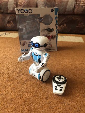 Інтерактивна іграшка Silverlit Робот Macrobot