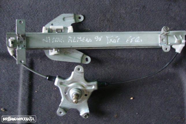Elevador Nissan Almera traseiro esquerdo
