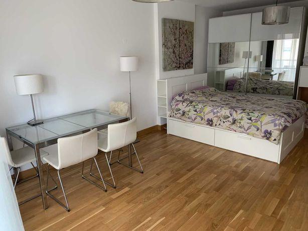 Excelente quarto com óptimas dimensões em casa nova no Lumiar