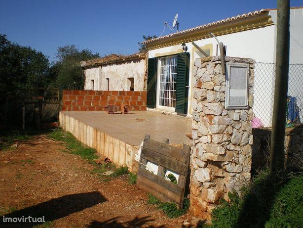 Casas rústicas históricas em zona rural tranquila no conc...
