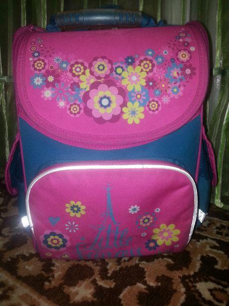 Шкільний рюкзак. Школьний рюкзак