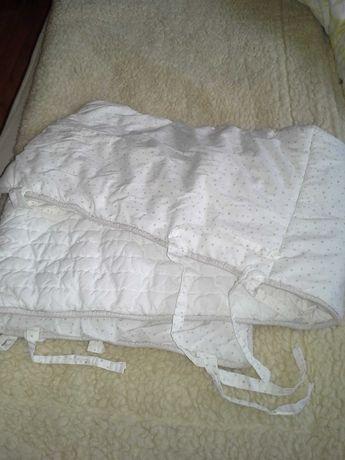 Motherhood, ochraniacz do łóżeczka dla niemowlaka