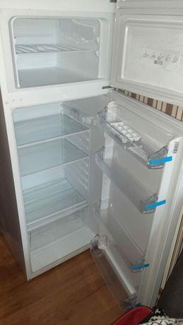 Sprzedam lodówkę
