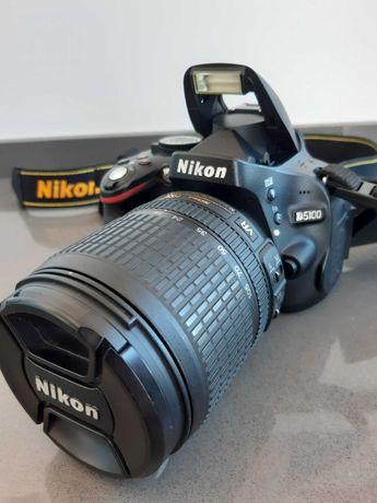 NIKON D5100 com objectiva AF-S DX NIKKOR 18-105mm