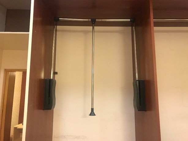 Drążek do szafy opuszczany