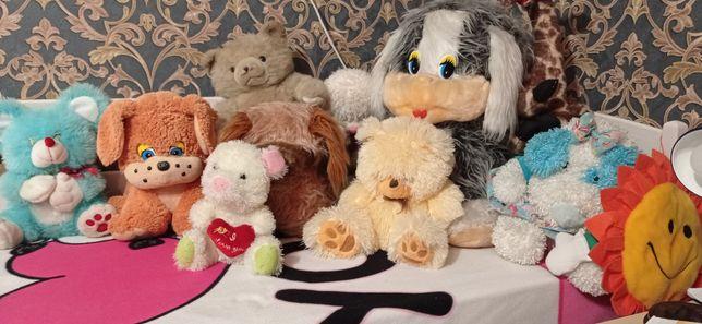 Іграшки м'які різні