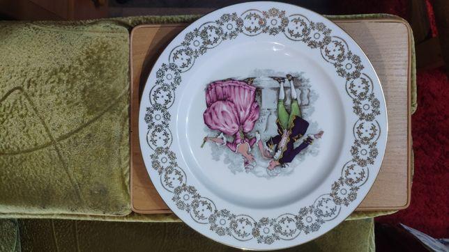 Оригинальная тарелка фарфоровая
