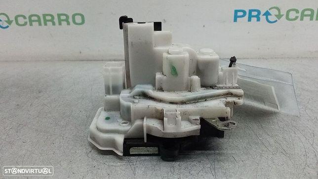 Fecho Da Porta Frente Dto Fiat Fiorino Caixa/Combi (225_)