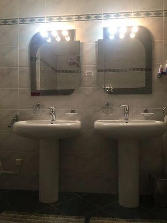 Umywalka łazienkowa zestaw z bateria i noga