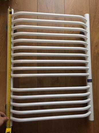 Grzejnik łazienkowy bialy połysk 50 x 70 cm