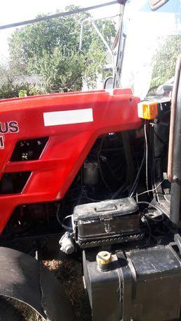 Трактор МТ3 921