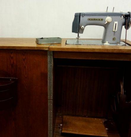 Швейная машинка Чайка 2
