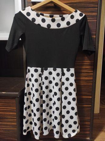 Неизменно трендовое платье в горох