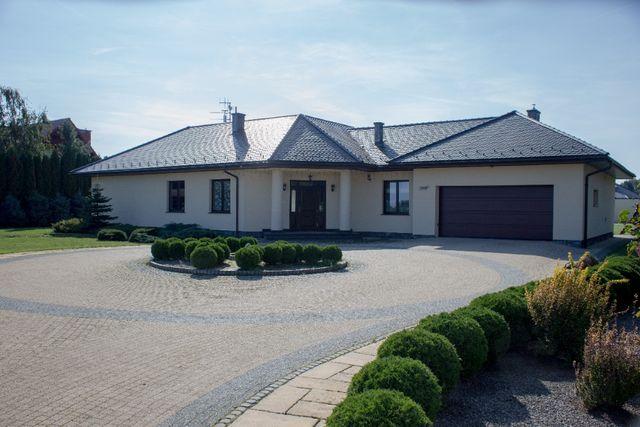 Parterowy dom z działką 3300 m, Uniszowice, 5 min od granic miasta