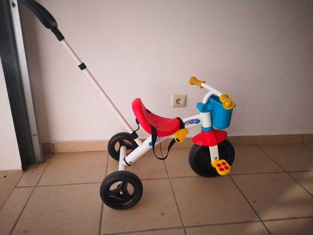 Triciclo de Criança e bicicleta sem pedais