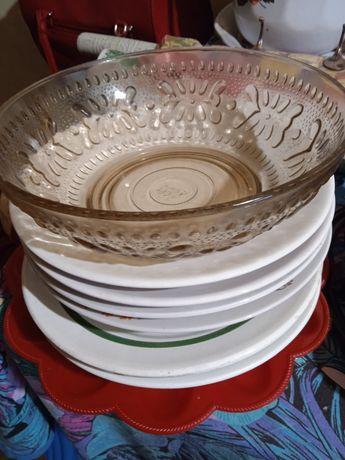 Посуда (тарелки и салатница)