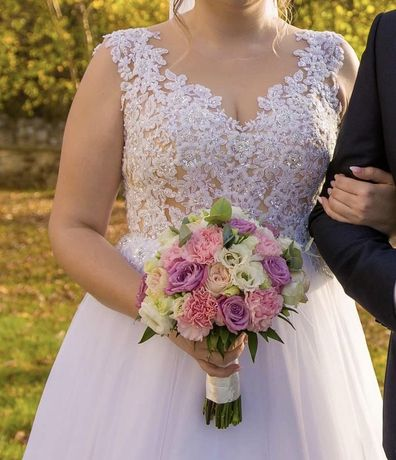 Piekna suknia ślubna 42