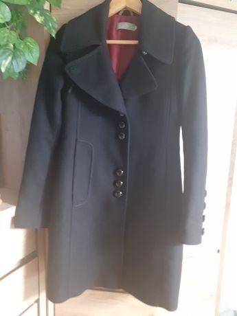 Płaszcz firmy Huna rozmiar 34