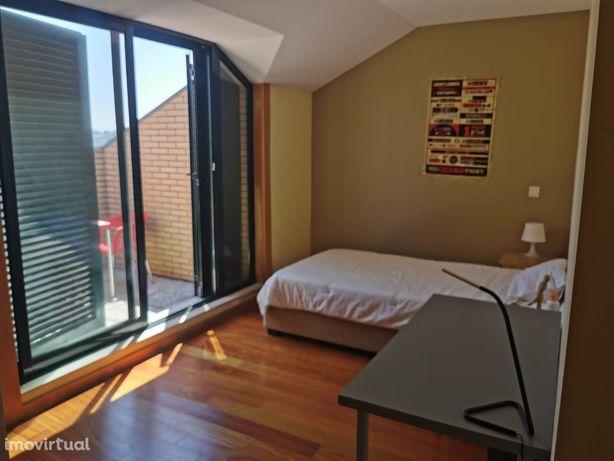 Apartamento T3 duplex Hospital de São João