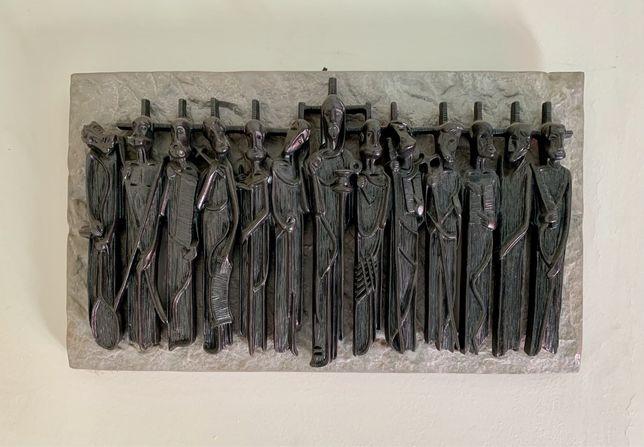 Estatueta religiosa em pedra - Jesus Cristo rodeado de Apóstolos