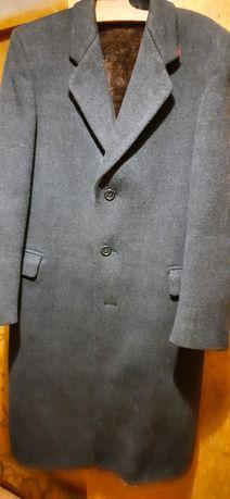 Продам новое пальто мужское