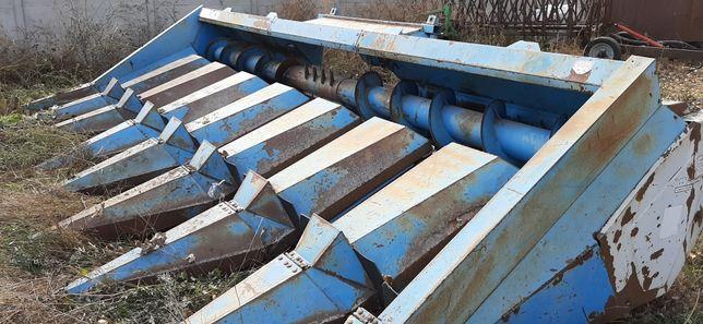 Жатка для уборки кукурузы КМС-8 на комбайн Джон Дир