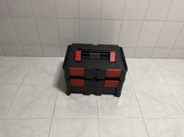 Caixa de ferramenta por encaixe