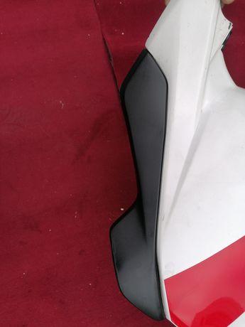 Honda CBR 1000 RR sc 57 wypełnienie zbiornika paliwa
