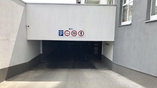 Miejsce postojowe Poznań Nowe Winogrady ul. Hawelańska 6C-E, garaż