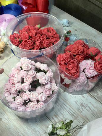 Искусственные цветы из ткани и фоамирана