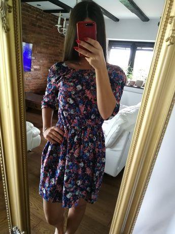Sukienka ZARA r. S/M, sukienka w kwiatki z odkrytymi plecami