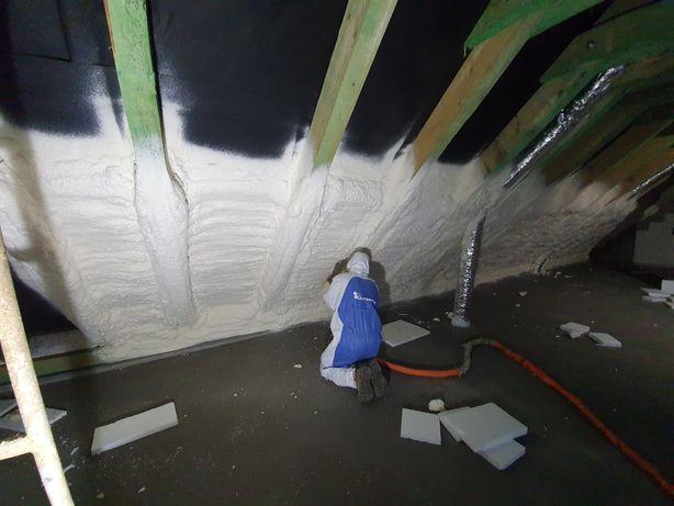 Izolacje natryskowe pianką PUR, ocieplanie poddaszy, stropów.