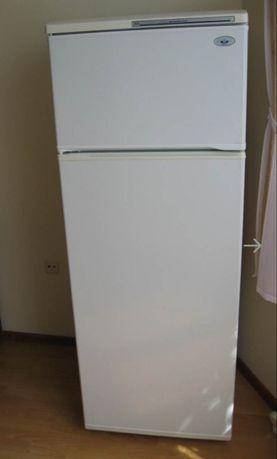 Двухкамерный холодильник, 170 см. Торг