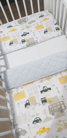 Komplet do  łóżeczka  - wózka.  Kołderka plus poduszka