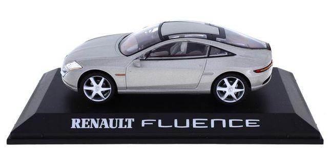 Miniatura Automóvel Renault Fluence da IXO Escala 1:43 Falta o espelho