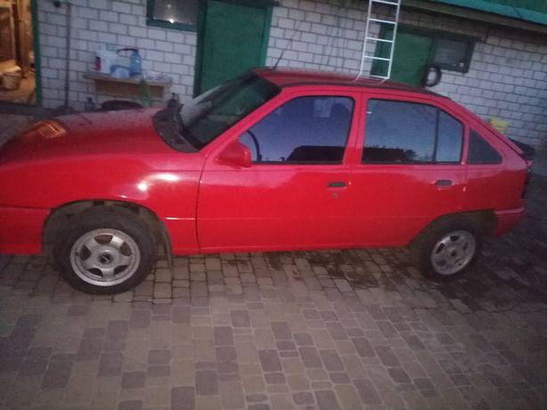 Продам Opel Kaddet хетчбек