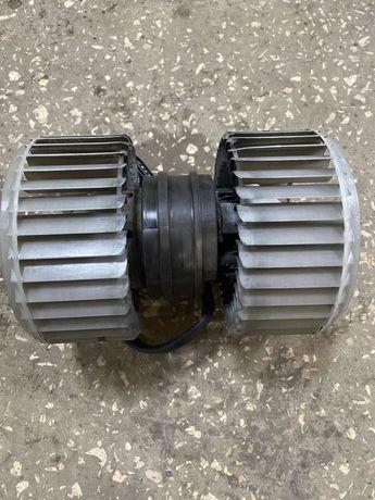 вентилятор мельница обогревателя нагнетатель audi a8  0130111047 Bosh