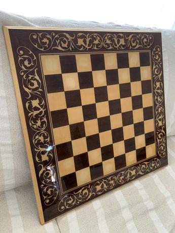 Jogo Xadrez em porcelana e madeira preciosa