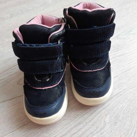 Зимние ботинки /сапожки на девочку 23 размера